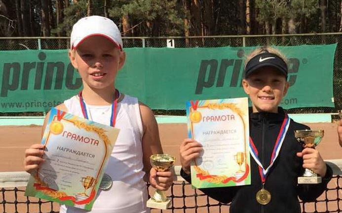 Юные теннисистки МБУ «СШ» г. Ялта привезли из Воронежа золото и серебро