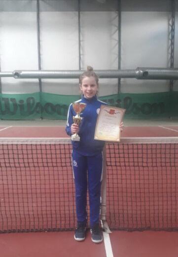 Полина Орлова привезла золото с турнира по теннису