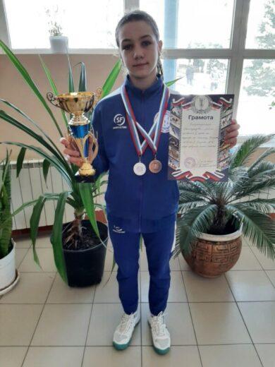 Наши теннисистки привезли из Таганрога серебряные и бронзовые медали