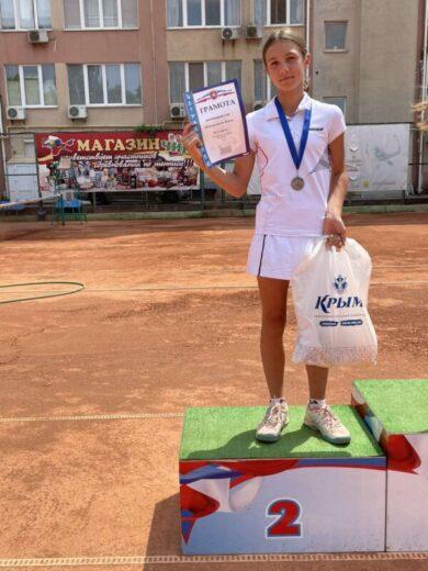 Наши теннисисты привезли медали с соревнований, прошедших в Симферополе и Химках