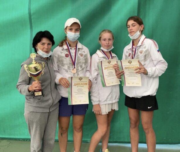 Команда Крыма взяла бронзу на Первенстве России по теннису в Тольятти